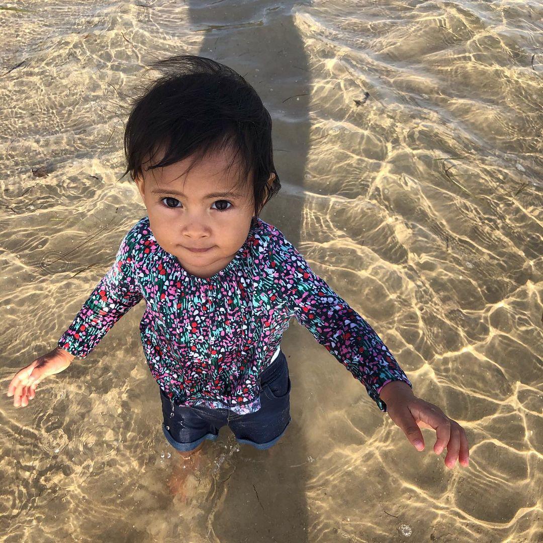 Karin Mesas granddaughter in water
